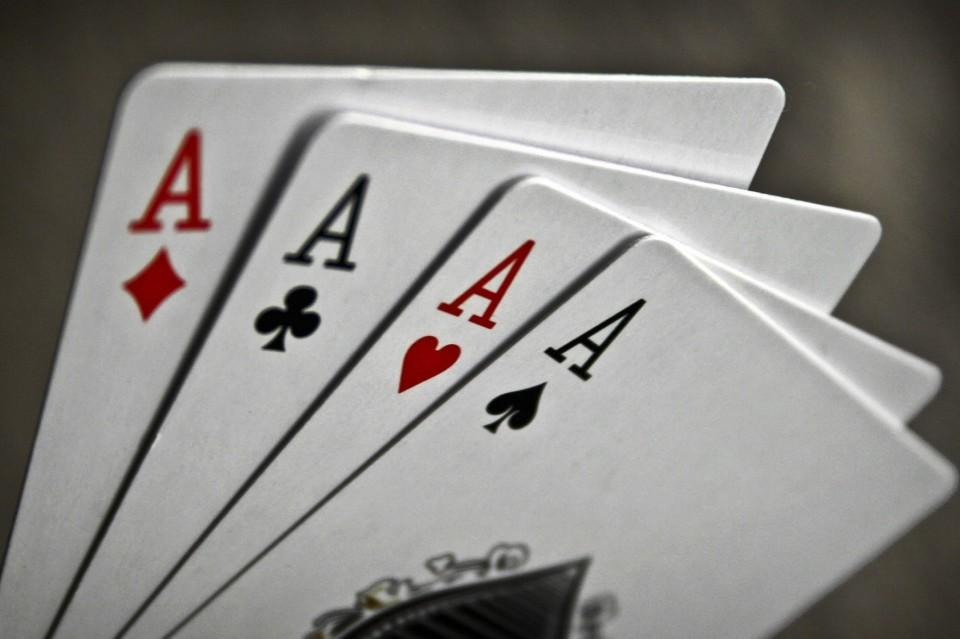 Четырехкарточный покер