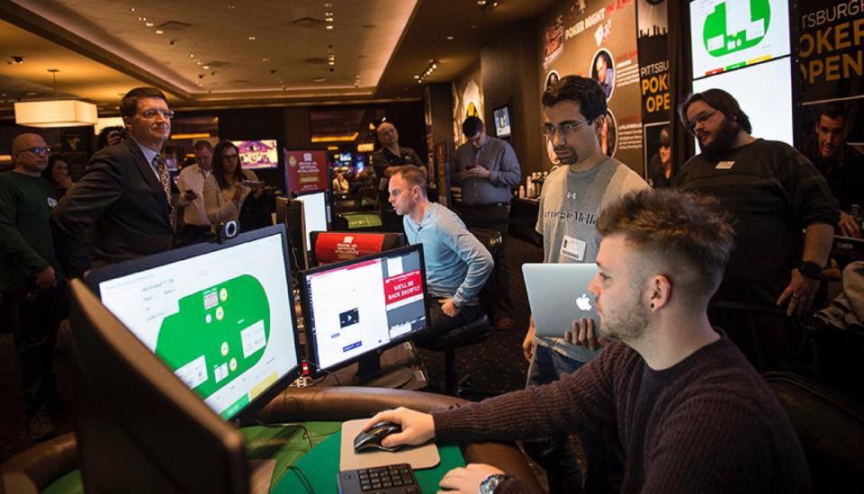 Искусственный интеллект обыгрывает профессионалов покера