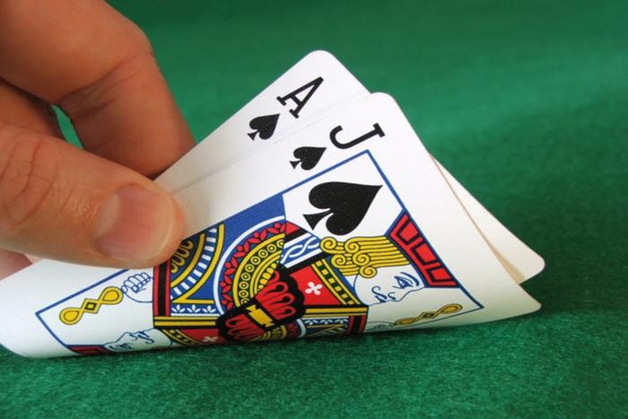 Таблицы стартовых рук в Холдеме