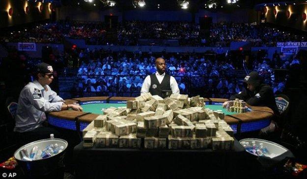 Видео покерных турниров