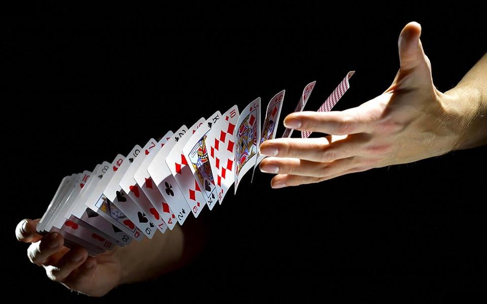 Раздача карт в покере
